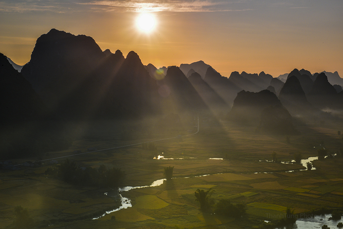 Sunset on Trung Khanh Valley