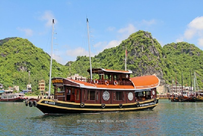 Off the beaten path in Cat Ba island, Halong and Lan Ha bays
